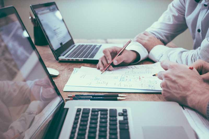 """Aiutare i piccoli imprenditori a """"portare"""" i loro prodotti online, creando il proprio store digitale"""